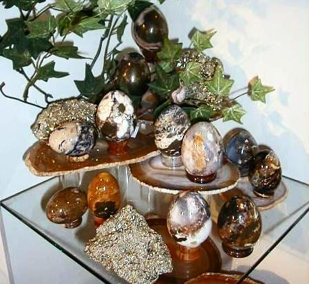 Agate and other natural stone eggs